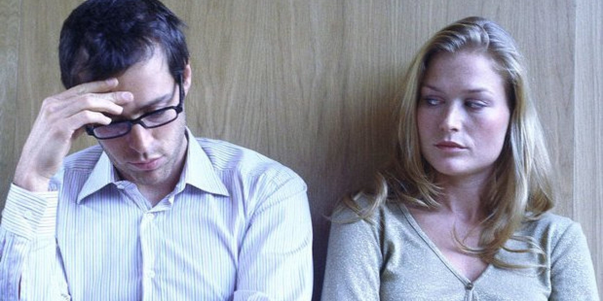 Apre la posta della ex moglie e i giudici gliela fanno pagare - Video marito porta la moglie a scopare ...