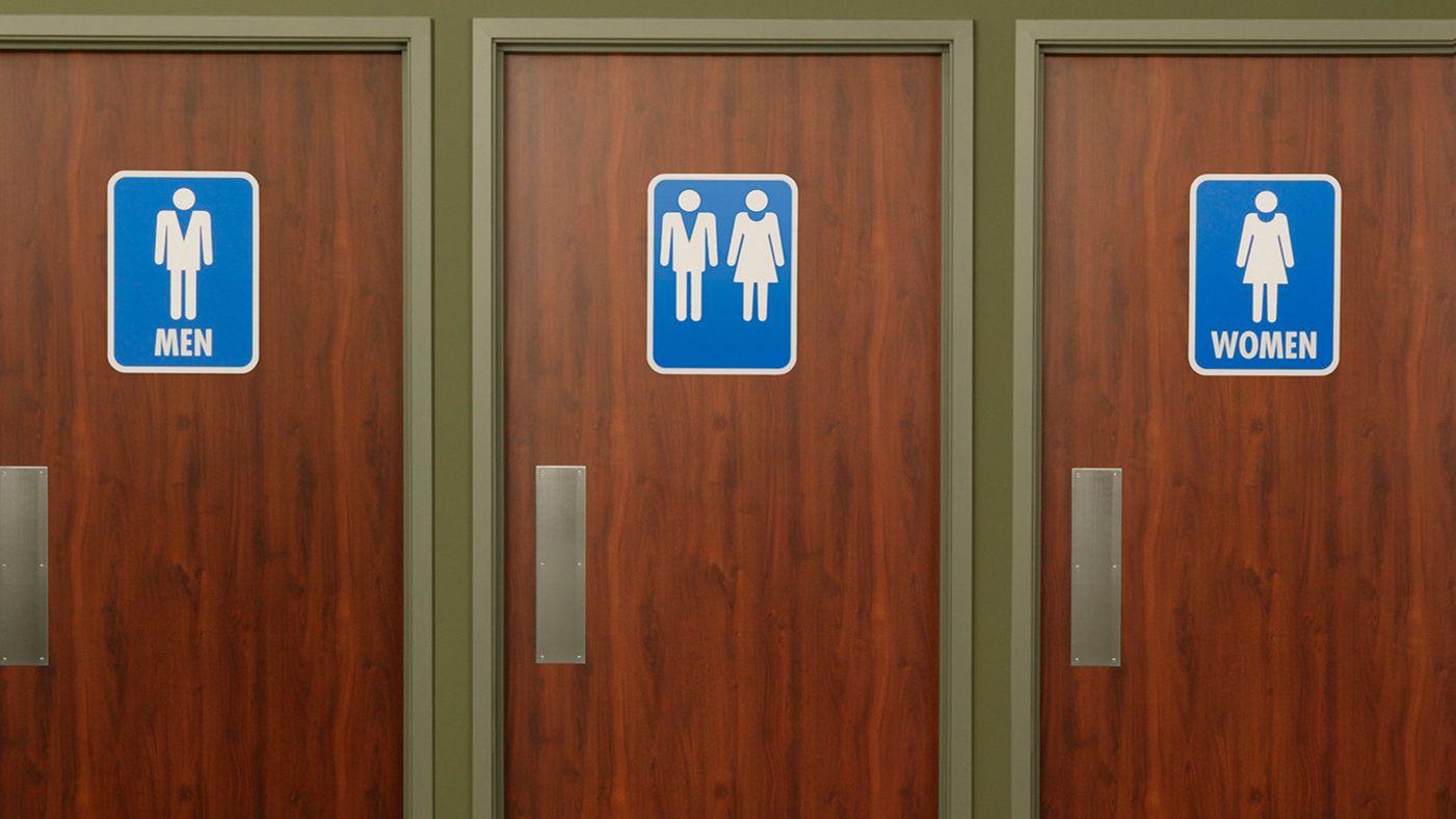 I Bagni Degli Uomini Veri : Norme anti gay sui bagni north carolina fa causa a obama