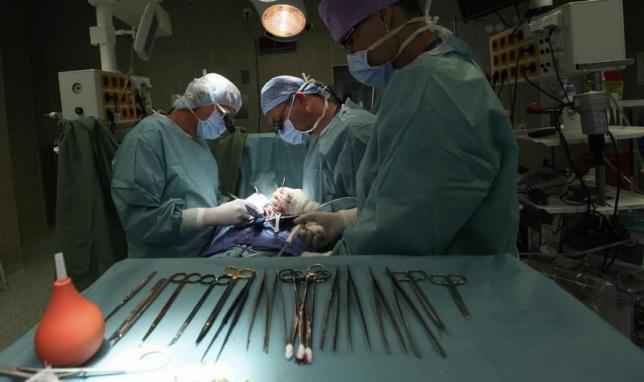 Muore dopo l'intervento per dimagrire in clinica