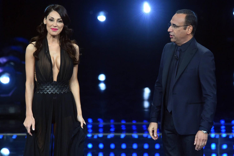 Alessia Marcuzzi super sexy con nude look per la finale