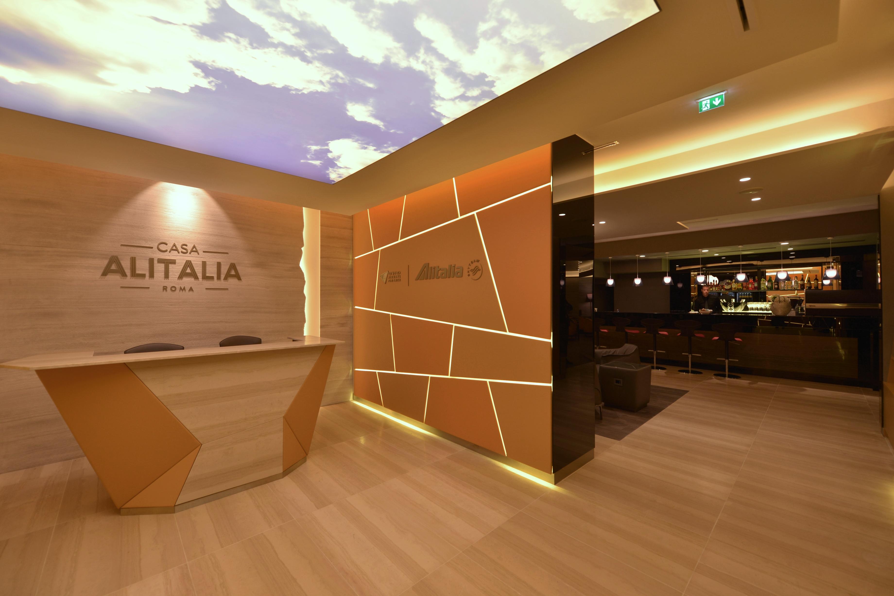 Casa alitalia nuove lounge fra eccellenze e stile a for Veltroni casa new york