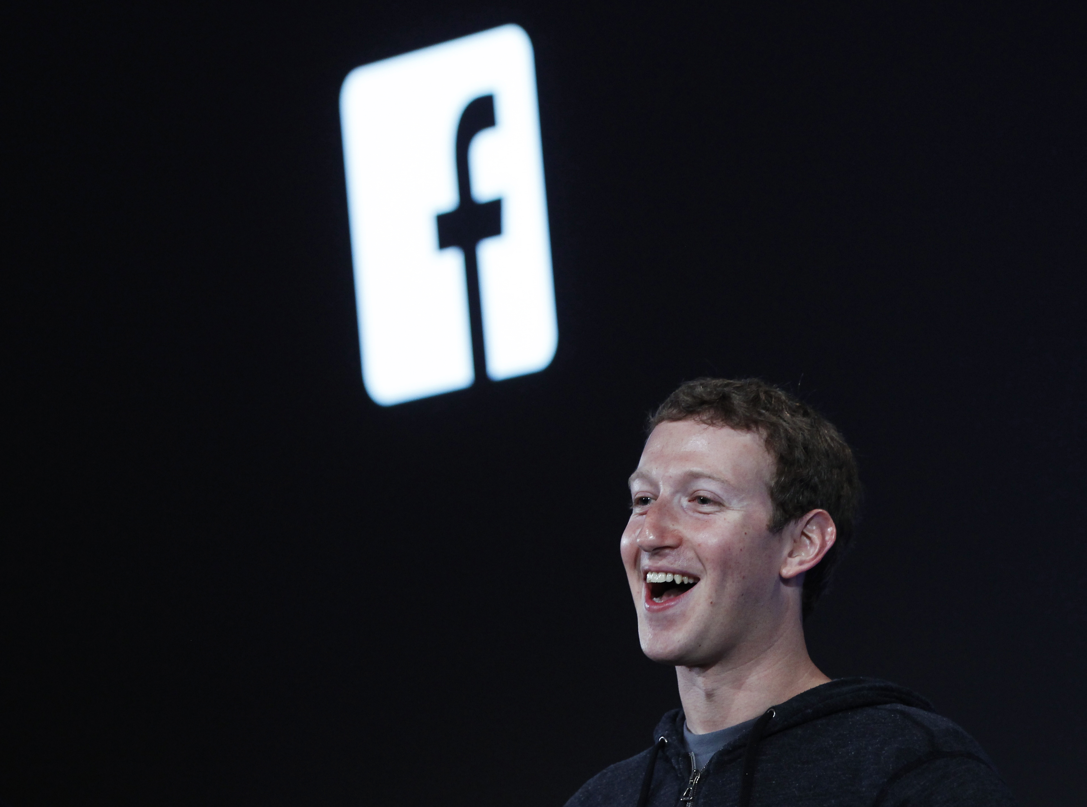 Facebook vola verso il futuro. Rivoluzione del social coi droni