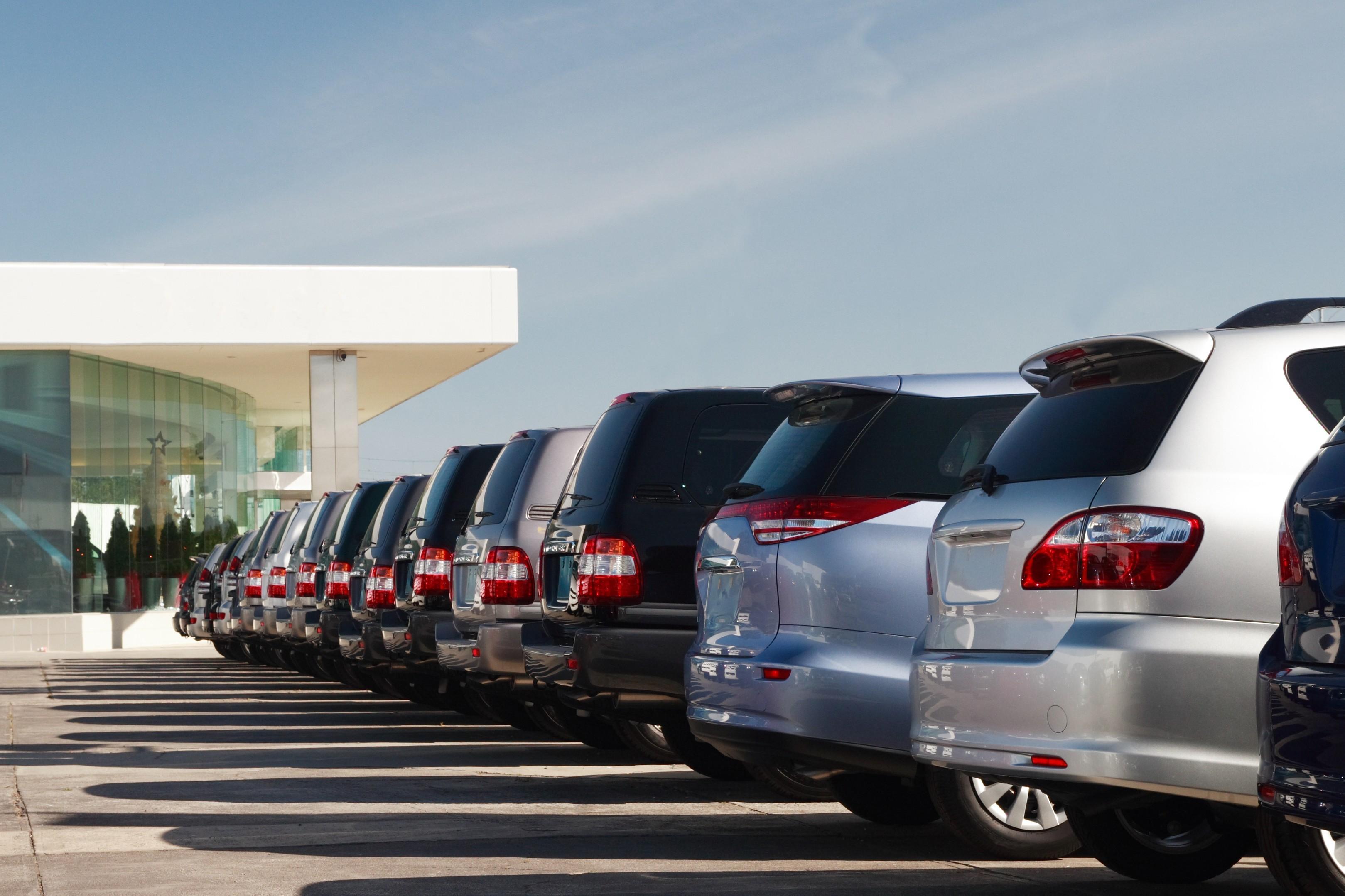 L 39 auto lascia la crisi nel retrovisore for Mercato del mobile usato milano