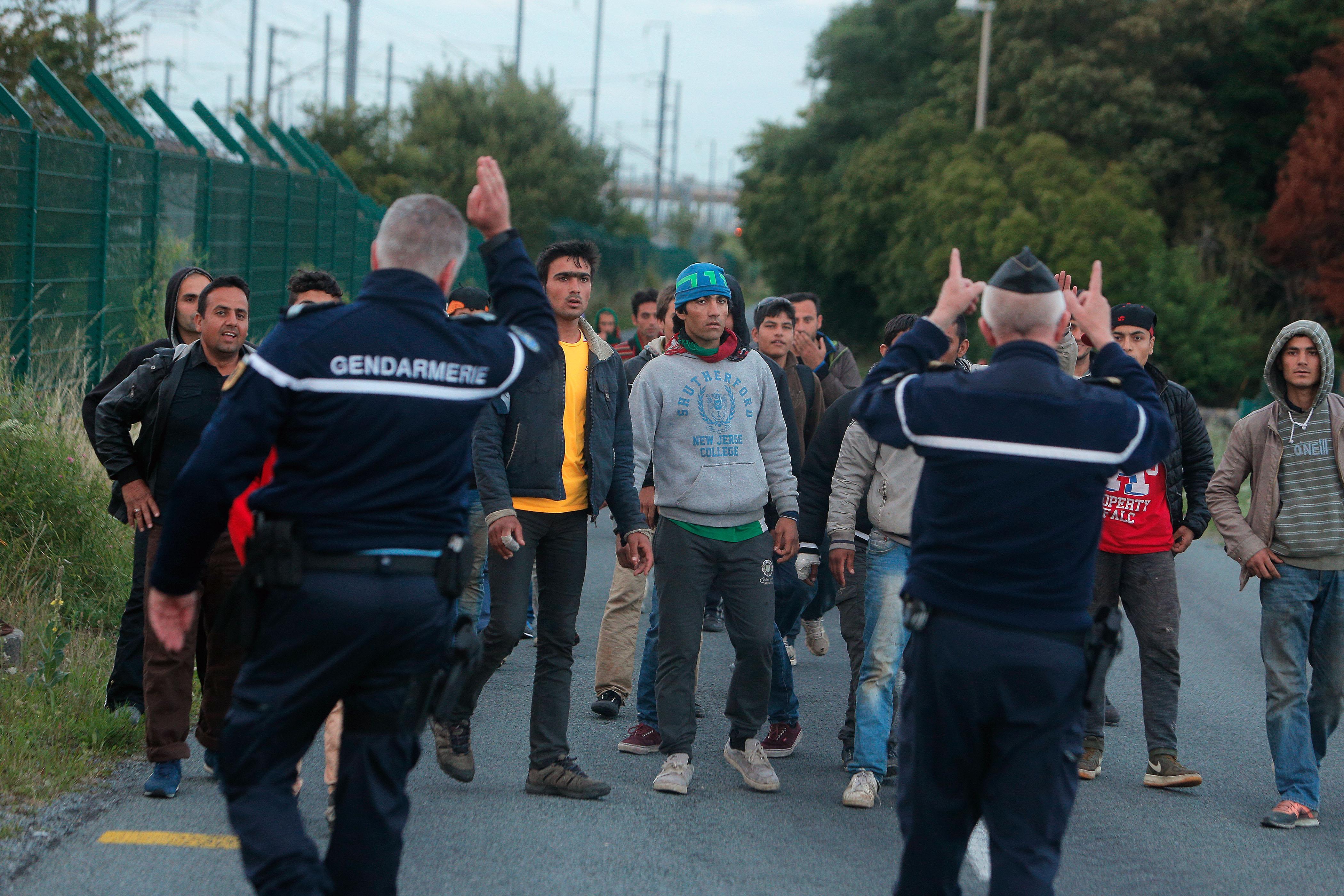 La Francia si scopre di nuovo furbetta e vuol scaricare i disperati all'Inghilterra