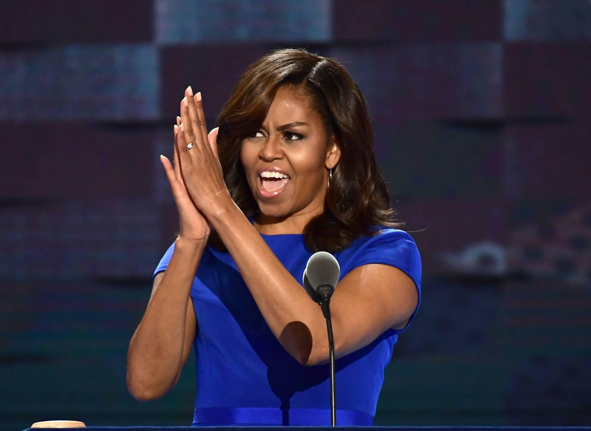 """Michelle Obama attacca Trump: """"Pessimo esempio per il mondo"""""""
