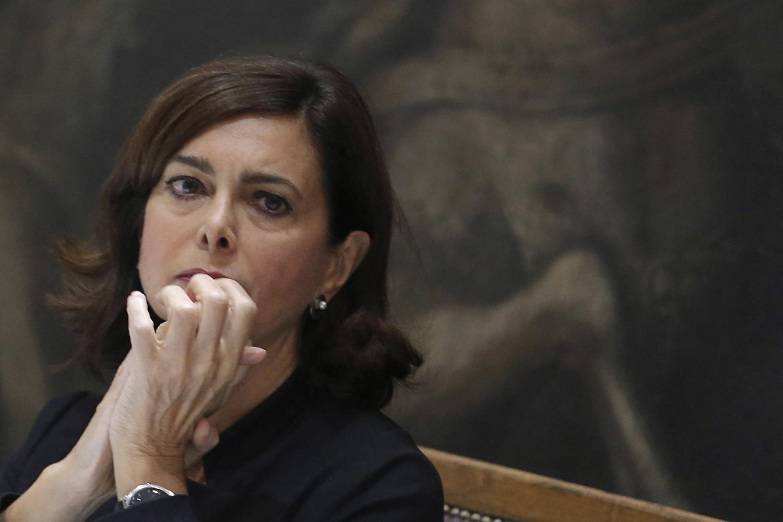 La Boldrini tarocca il sondaggio e gli italiani diventano pro Ue