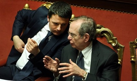 "Mediobanca smonta Renzi ""Crescita bassa anche col Sì"""