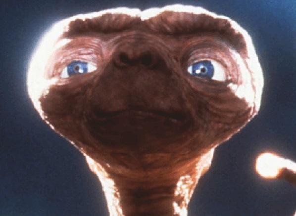 Stella a 95 anni luce manda segnali sospetti. E parte la caccia a E.T.