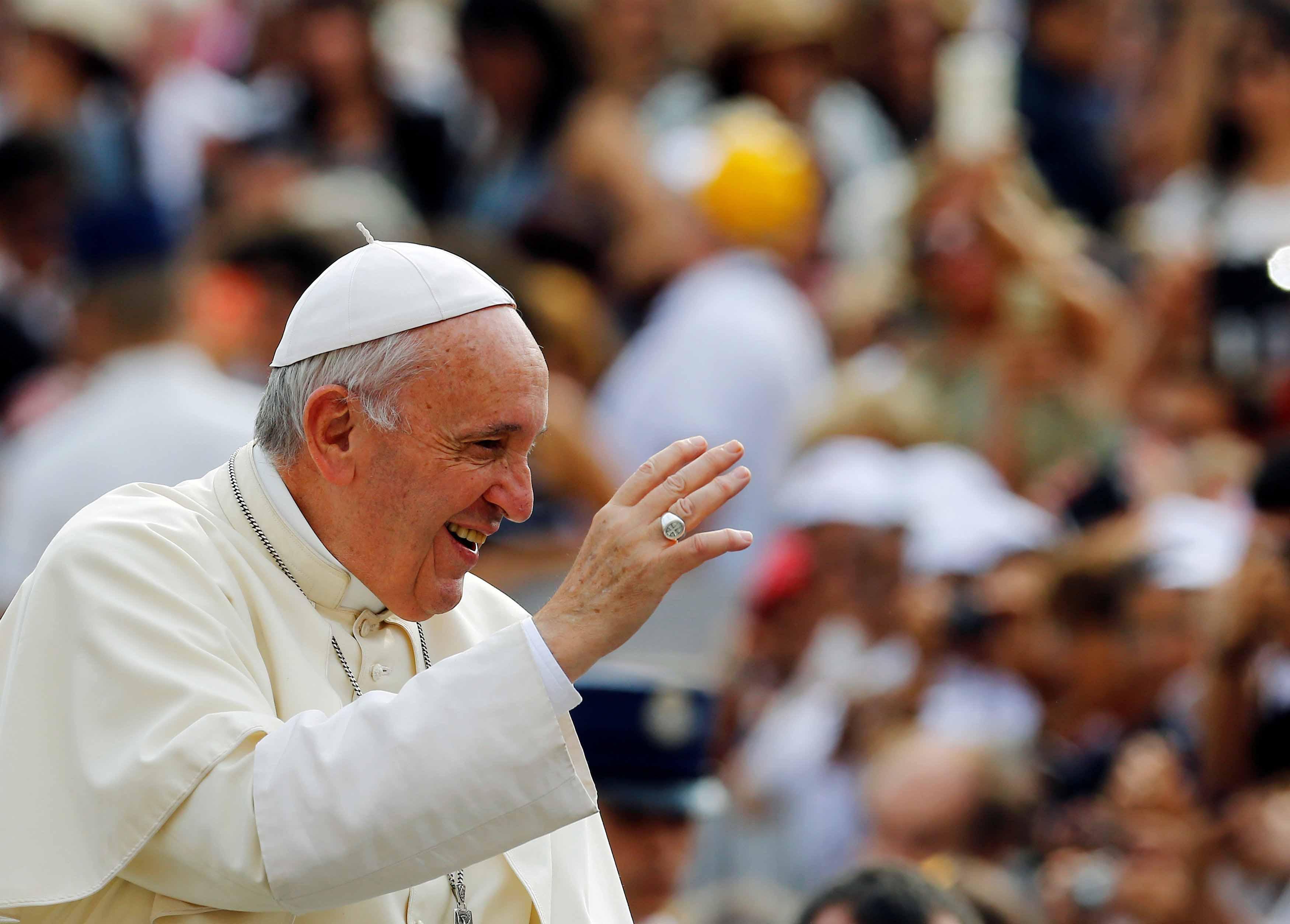 Papa Francesco si occuperà dei migranti. Creato un apposito dicastero