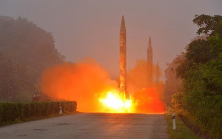 Corea del Nord, lanciati tre missili balistici
