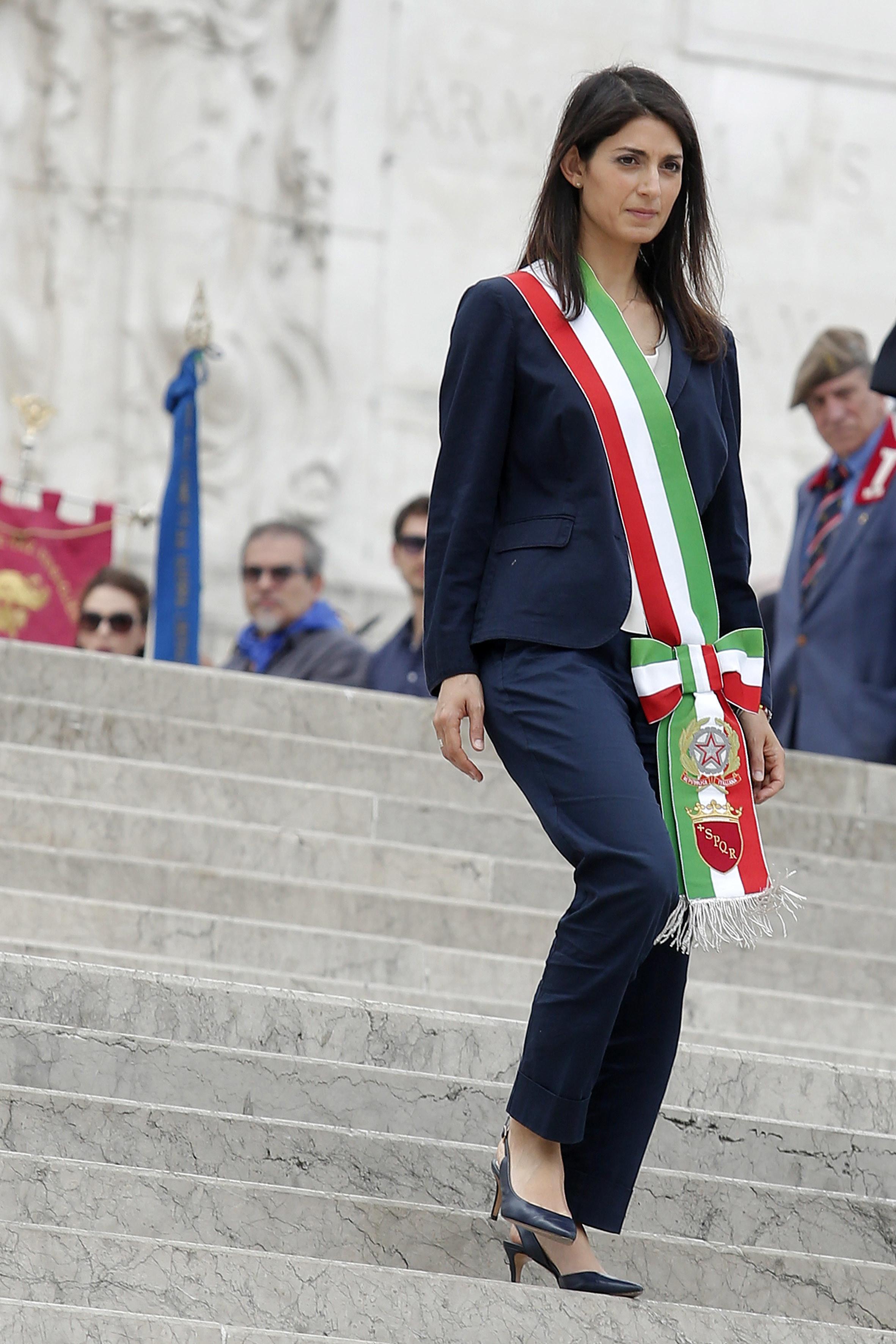 """Giunta Raggi, polemiche sul neo assessore De Dominicis. Pd: """"L'ha scelto Previti?"""""""