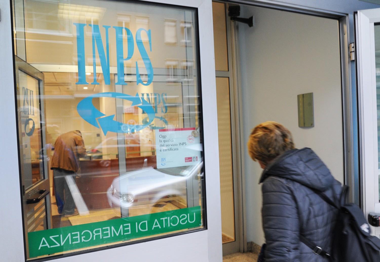 Autonomi pensionati in piazza: bonus da 80 euro esteso a tutti