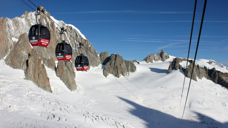 Guasto alla funivia, in cento bloccati sul Monte Bianco