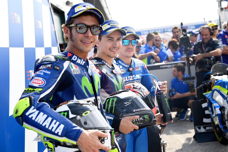 MotoGp Misano, Lorenzo pole. Ma Valentino Rossi è secondo