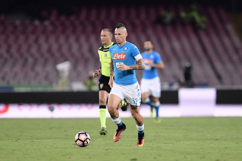 Il Napoli risponde alla Juve: Callejon e Hamsik regolano 3-0 il Palermo