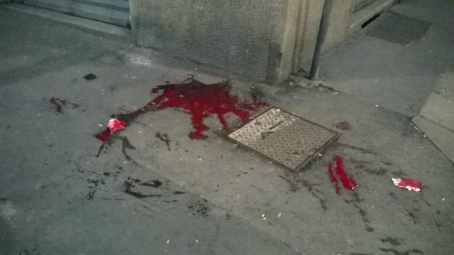 Romeno accoltellato da giordano che viene colpito col martello da marocchino