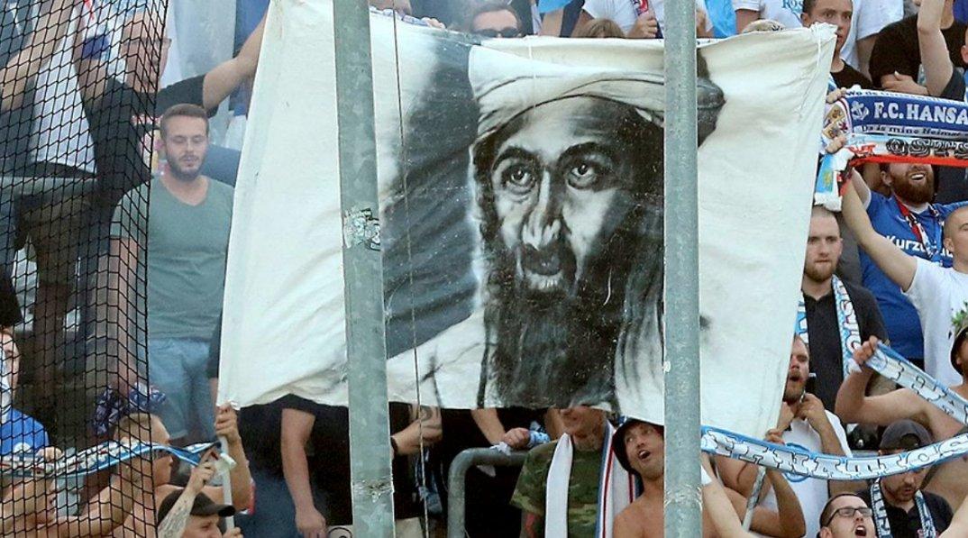 Germania, allo stadio spunta l'immagine di Bin Laden