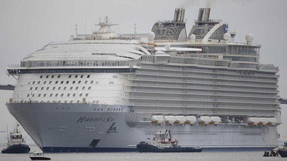 Marsiglia, incidente su mega nave da crociera: un morto