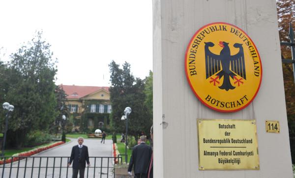 Chiudono l'ambasciata tedesca e inglese in Turchia. Sono nel mirino dell'Isis
