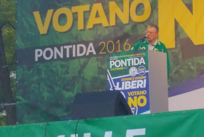 """Bossi: """"La Lega non potrà mai diventare partito nazionale"""""""