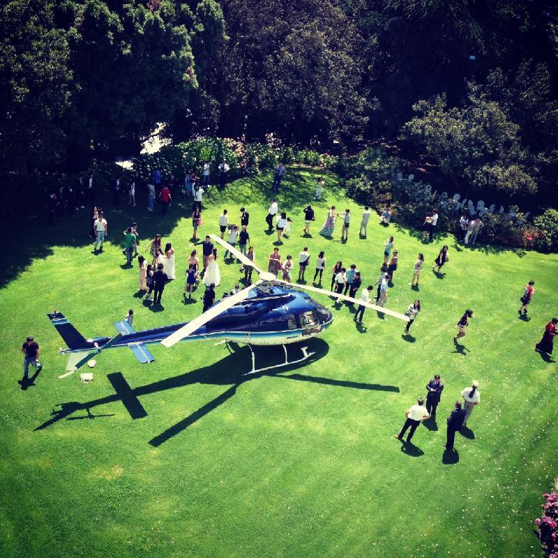 Alle nozze in elicottero, sospesa licenza a pilota