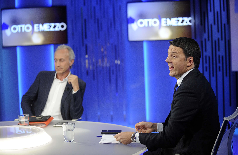 """Renzi punge Travaglio: """"Ho letto le c... che scrivi su di me"""""""