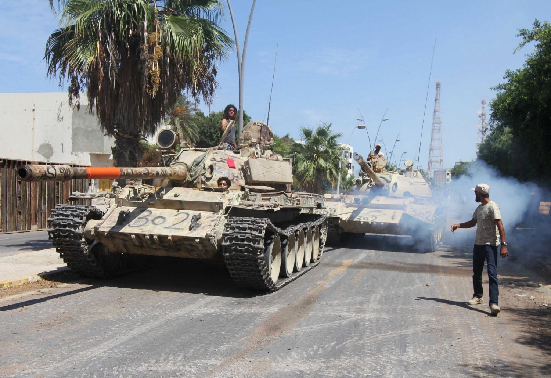 Libia, droni francesi per cercare gli italiani