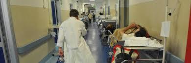 Bari, panico in ospedale per il super batterio