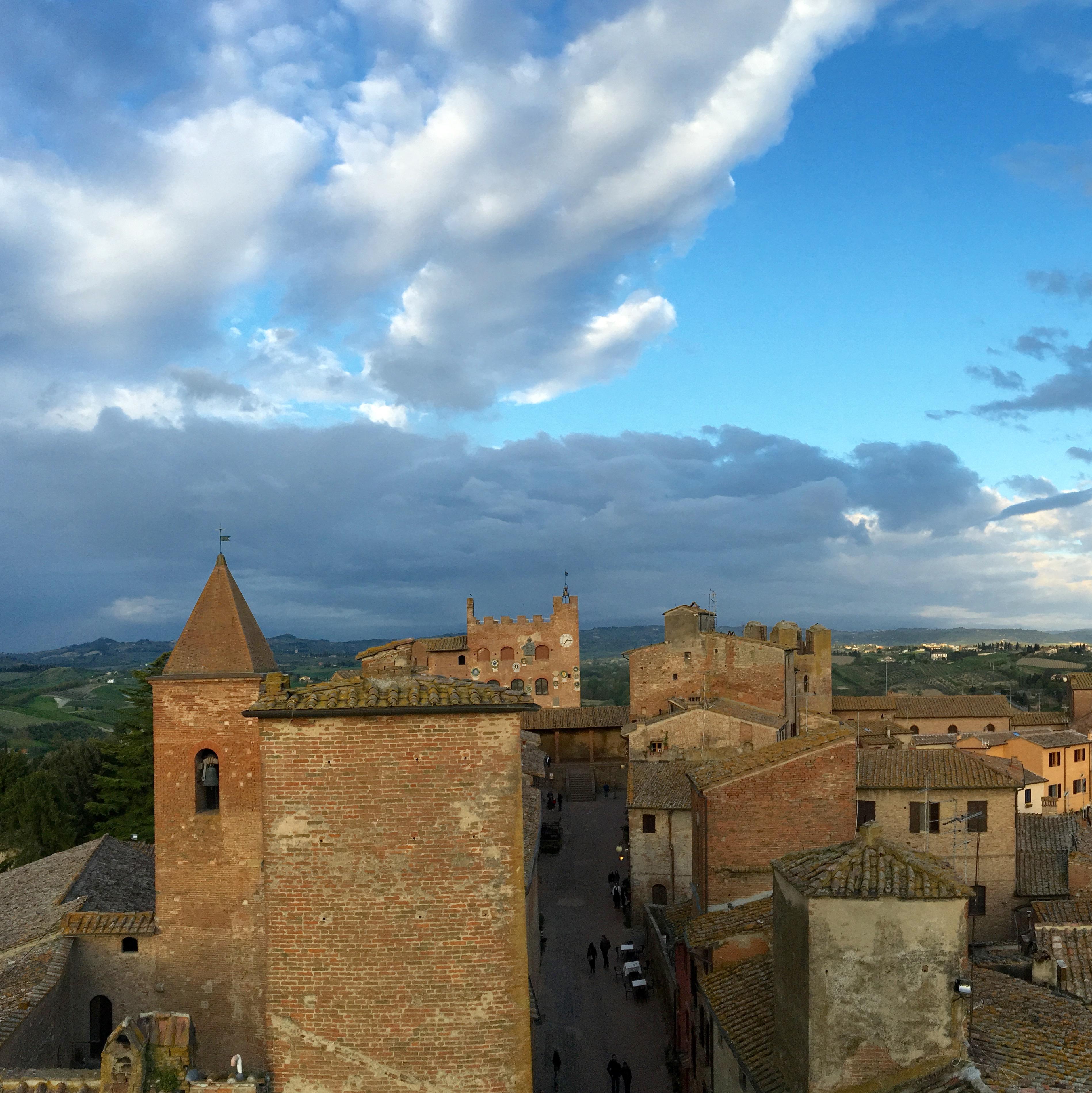Il borgo medievale dà la caccia al fantasma di Boccaccio