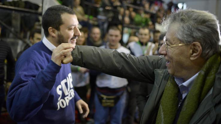 """Lega, Bossi demolisce Salvini: """"Non può fare il leader"""""""