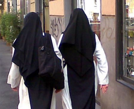 A Torino le prime nozze fra due suore lesbiche