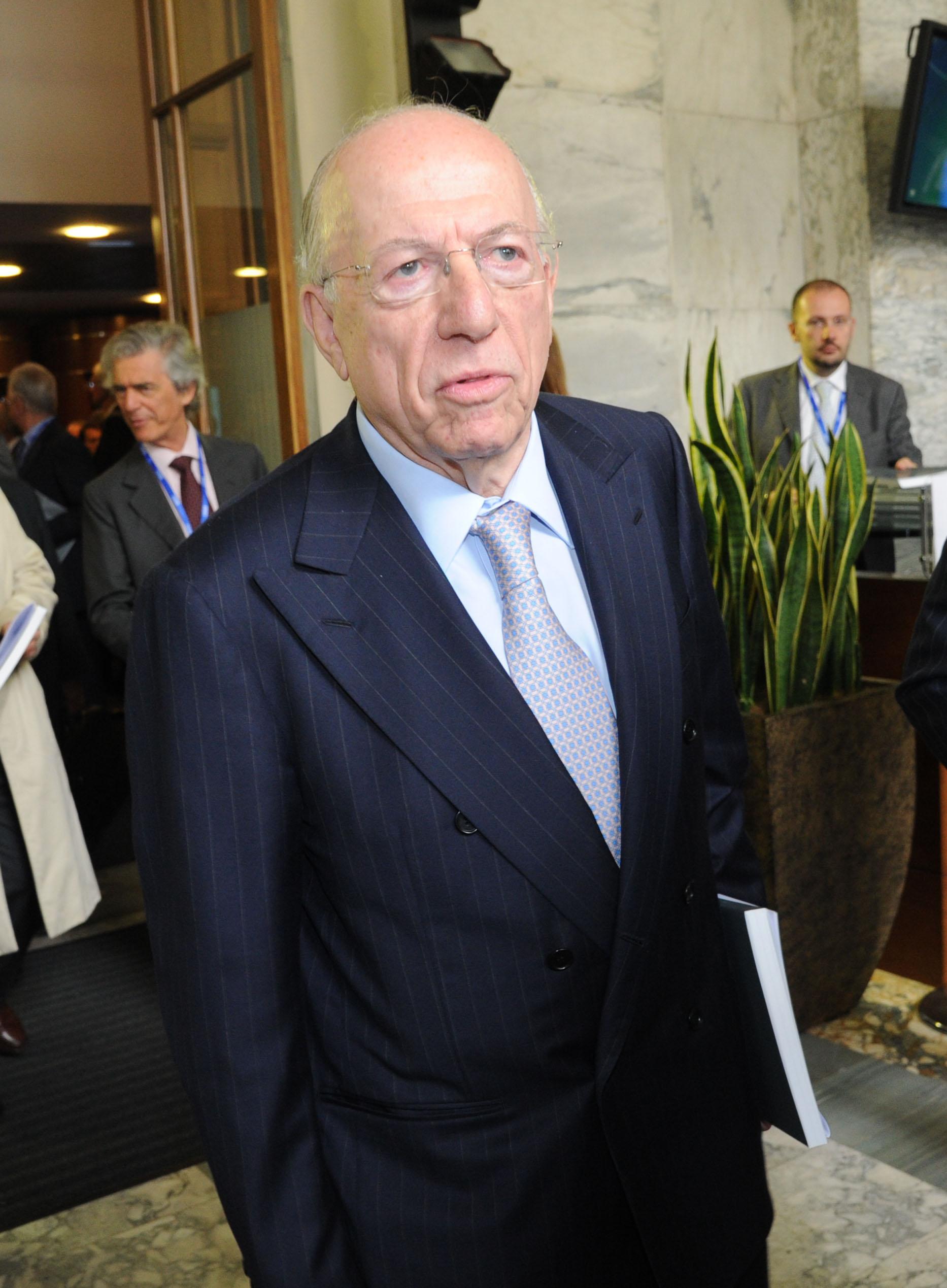 """""""La grande avventura con Silvio. Il Paese ha ancora bisogno di lui"""""""
