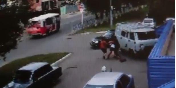 Russia, 16enne rapita in strada per forzarla al matrimonio con uno dei rapitori