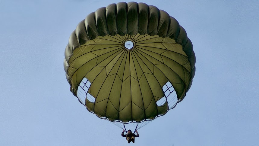 Paracadutisti italiani intitolano un corso all'eroe di Palmira