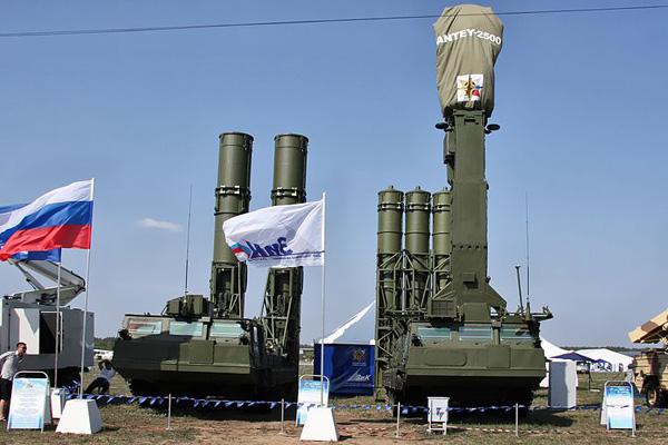 Siria, schierati gli S300 VM: Putin impone nuova no fly zone