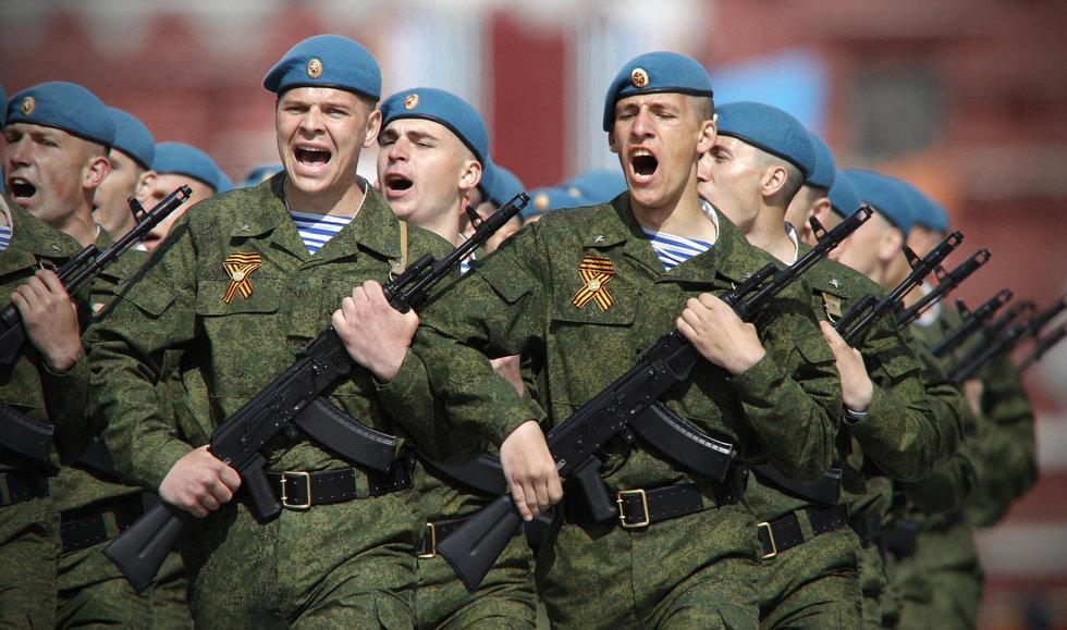 Paracadutisti russi schierati in Egitto