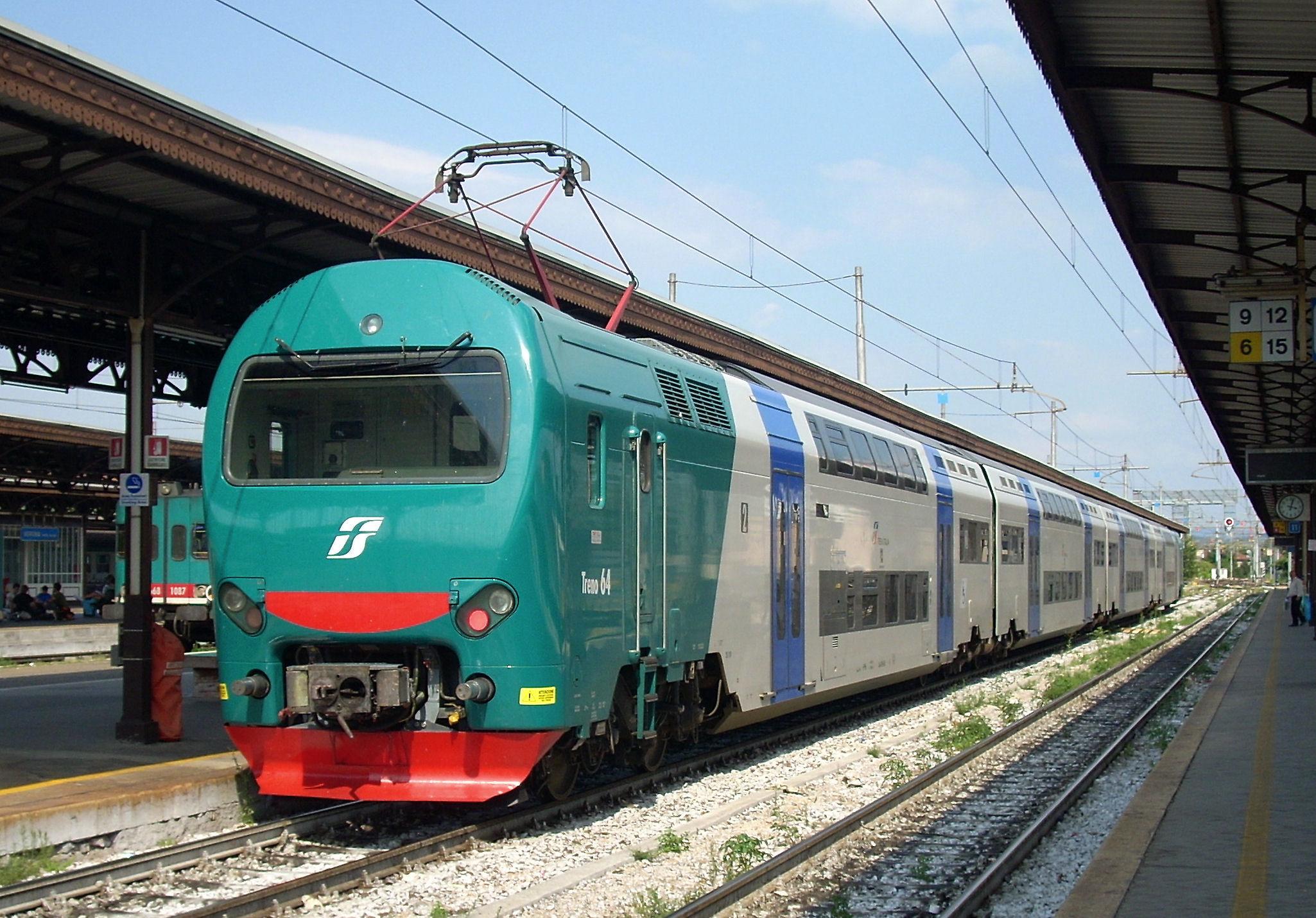 Viaggi gratis ai familiari, gli autisti napoletani scioperano per il privilegio