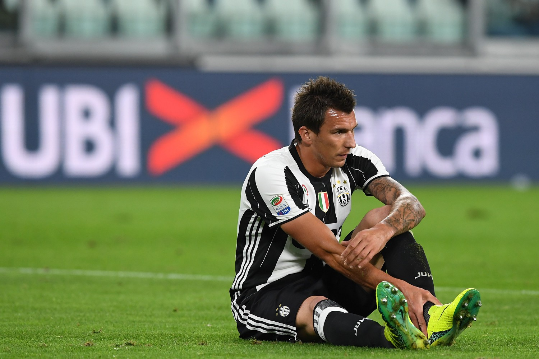 Juventus attenta: il Chelsea su Bonucci, offerta choc per Mandzukic