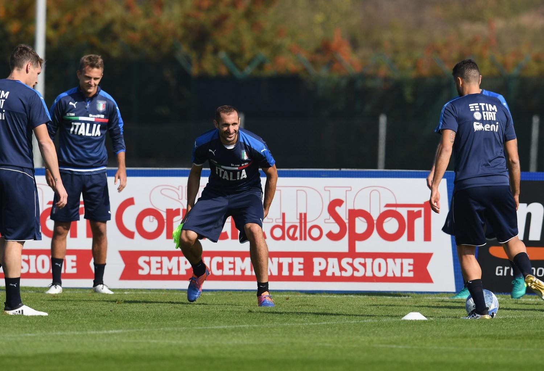 Chiellini ko con l'Italia ma in campo con la Juventus: aspre critiche sul web