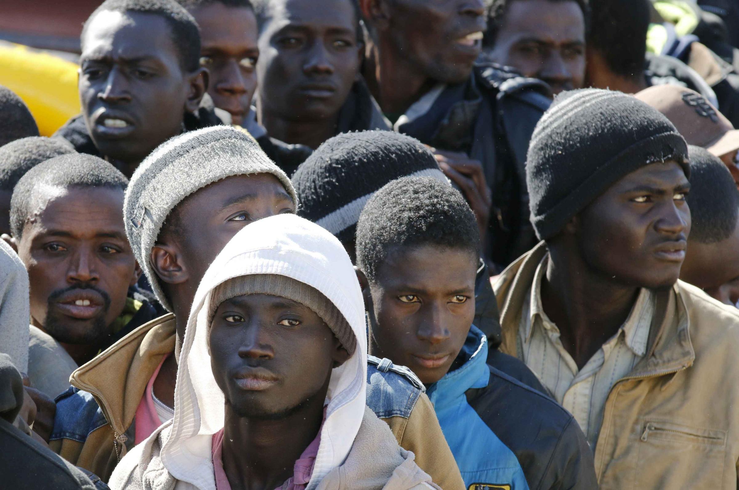 Reggio Emilia, il Pd vuole accogliere i migranti in casa...d'altri!