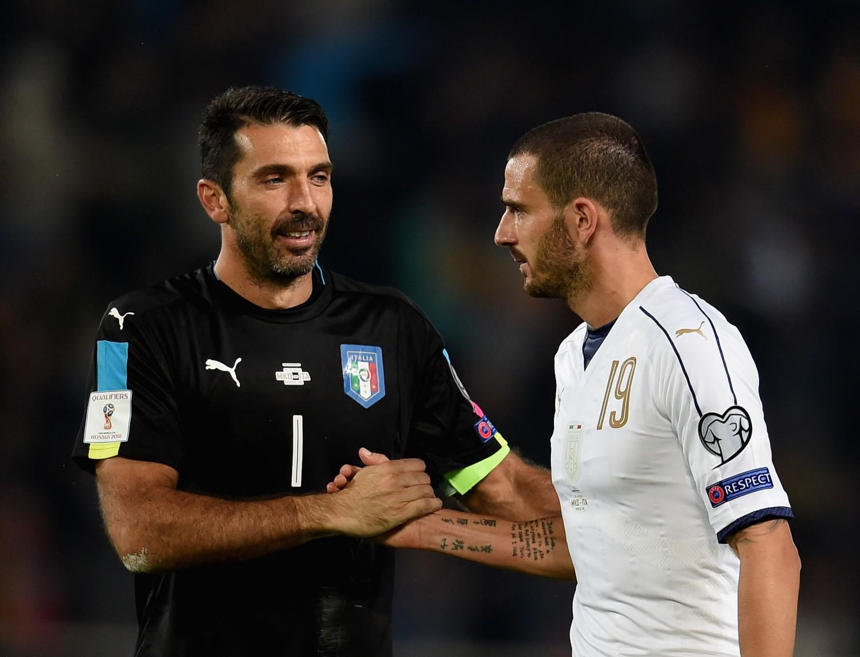 Golden Foot 2016, trionfa Buffon: il portiere della Juve succede ad Eto'o