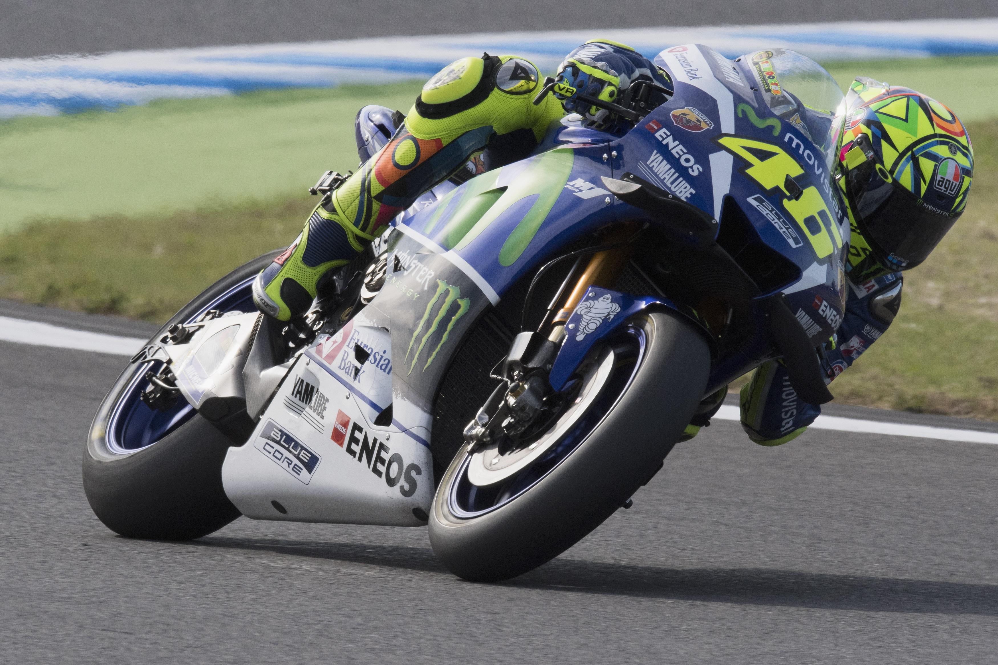 MotoGp, Valentino Rossi conquista la pole in Giappone