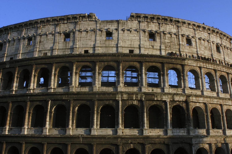 Dal Colosseo ai teatri il privato è meglio