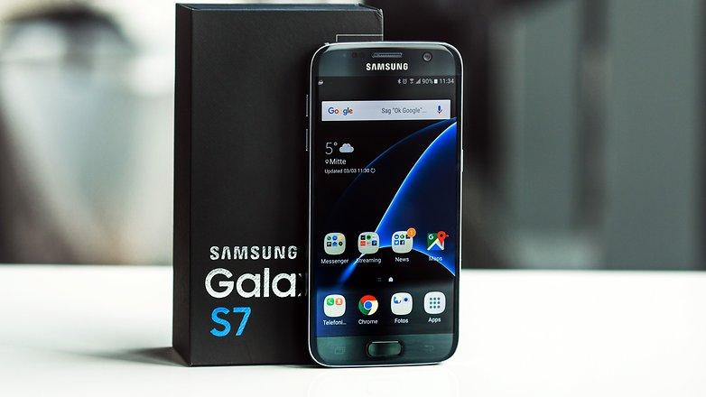 Samsung, prende fuoco un Galaxy S7. Torna l'incubo esplosioni?