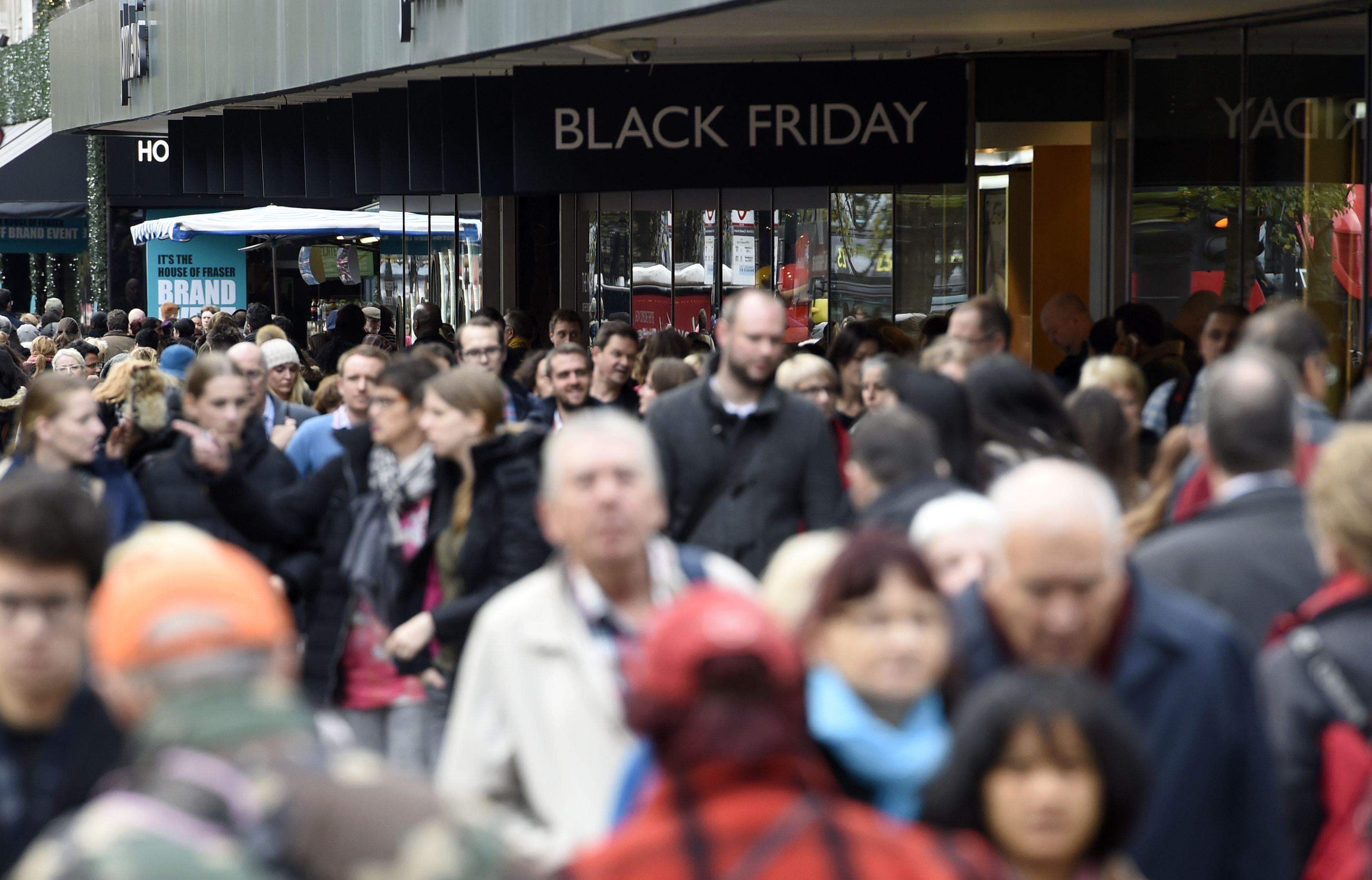 Il Black Friday degli italiani È caccia agli sconti online