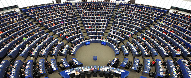 """Il parlamento europeo """"congela"""" i negoziati con la Turchia"""