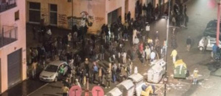 Torino, bombe carta al Moi: tensione residente-migranti
