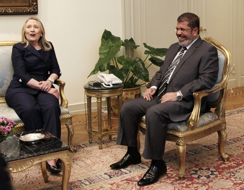Quegli strani rapporti tra l'amministrazione Obama-Clinton e i Fratelli Musulmani