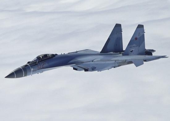 Supercaccia Su-35S russi schierati al confine con la Finlandia