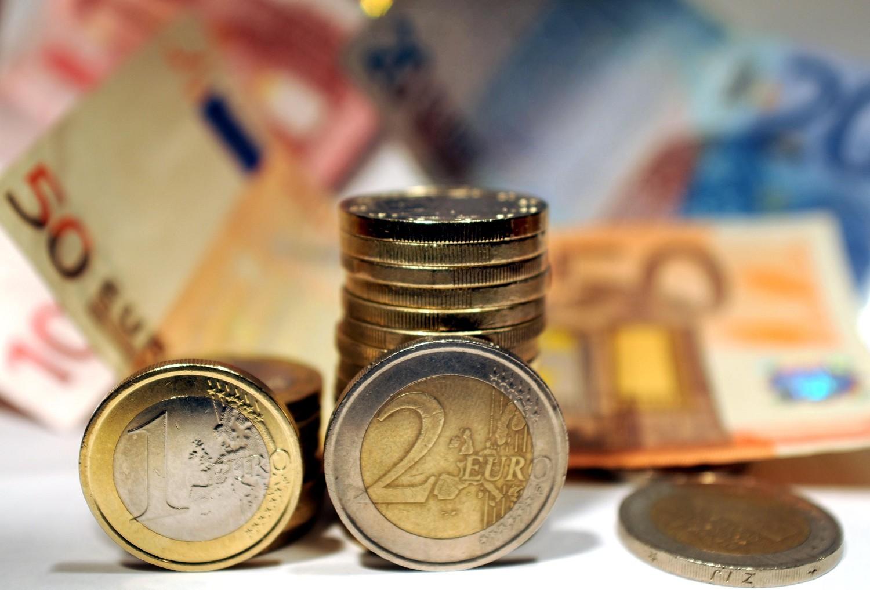 bcf5720217 Col Paese fuori dall'euro si risparmiano 8 miliardi - IlGiornale.it